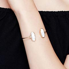 Damskie Bransoletki cuff Biżuteria Modny Film Biżuteria Hipoalergiczny Pozłacane Stal nierdzewna Stop Oval Shape Biżuteria NaParty /