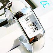 Mujer Reloj de Vestir Reloj de Moda Reloj de Pulsera Cuarzo Aleación Banda Flor Brazalete Plata Blanco Negro Azul Rosa