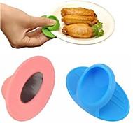 Недорогие -микроволновая печь рукавицы кухня кулинария силикон нескользящий изоляцией перчатки случайный цвет