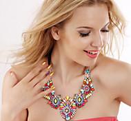 Недорогие -Женский Мода Массивные украшения Симпатичные Стиль европейский Заявление ожерелья Синтетические драгоценные камни Сплав Заявление ожерелья