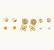 Недорогие -В форме сердца В форме цветка Серьги-гвоздики Бижутерия Женский Сердце Для вечеринок Повседневные Хрусталь Сплав 1 комплект