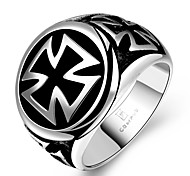 Fashion Individual No Decorative Stone Men's Stoving Varnish Circle Cross Stainless Steel Ring(Black)(1Pc) Christmas Gifts