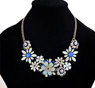 Жен. Заявление ожерелья Multi-камень Кристалл Стразы В форме цветка Бижутерия Хрусталь Резина Стразы Сплав Цветочный дизайн Цветы