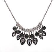 Жен. Заявление ожерелья Кристалл Геометрической формы Сплав Бижутерия Назначение Особые случаи Офис / Карьера