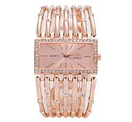 Недорогие -Жен. Модные часы Наручные часы Кварцевый сплав Группа Роскошь На каждый день Elegant Cool Серебристый металл Золотистый Розовое золото