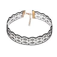 Недорогие $0.99 Модное ювелирное украшение-Жен. Ожерелья-бархатки - Кружево Цветы Белый, Черный Ожерелье Назначение Повседневные, Для клуба