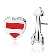 hesapli -Kadın's Klasik Eşleşmeyen Küpeler - Kalp, Arrow Basit, moda Mücevher Gümüş Uyumluluk Hediye Günlük / 1 çift
