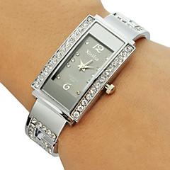 Damen Modeuhr Armband-Uhr Quartz Imitation Diamant Legierung Band Glanz Armreif Silber