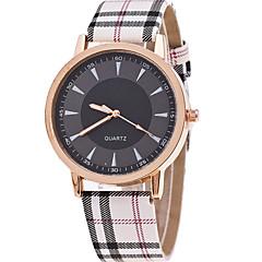 preiswerte Damenuhren-Damen Quartz Armbanduhr Armbanduhren für den Alltag Leder Band Charme Modisch Khaki