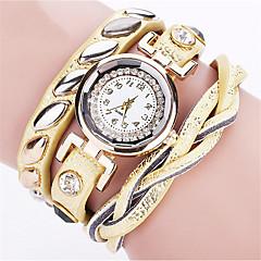 preiswerte Damenuhren-Damen Quartz Armbanduhr / Armband-Uhr Punk / Cool PU Band Charme / Retro / Freizeit / Böhmische / Modisch / Armreif Schwarz / Weiß / Blau