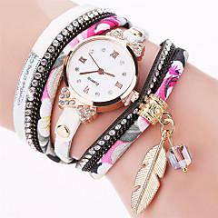 preiswerte Tolle Angebote auf Uhren-Damen Armband-Uhr / Armbanduhr Cool / Punk / Mehrfarbig Stoff Band Charme / Glanz / Blätter Mehrfarbig