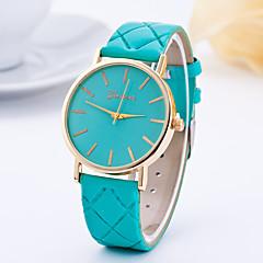 preiswerte Tolle Angebote auf Uhren-Damen damas Armbanduhr Quartz Armbanduhren für den Alltag Leder Band Analog Charme Modisch Schwarz / Weiß / Rot - Braun Rot Leicht Grün