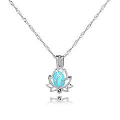Недорогие Женские украшения-Жен. Все Lotus форма С подсветкой Подарок Ожерелья с подвесками , Светящийся камень Сплав Ожерелья с подвесками Подарок Свидание Бижутерия