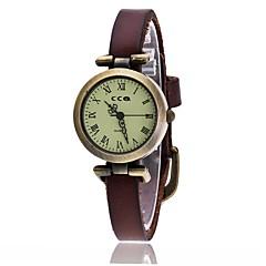 preiswerte Damenuhren-Damen Armbanduhren für den Alltag Modeuhr Quartz Armbanduhren für den Alltag Leder Band Analog Retro Modisch Schwarz / Weiß / Blau - Rot Grün Blau Ein Jahr Batterielebensdauer