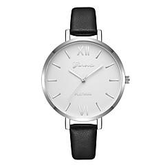 preiswerte Damenuhren-Geneva Damen Kleideruhr / Armbanduhr Chinesisch Neues Design / Armbanduhren für den Alltag / Cool Leder Band Freizeit / Modisch Schwarz / Braun