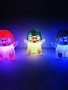 Penguin Rotocast changeant de couleur Lumière de nuit  (couleur aléatoire)