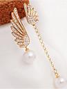Femme Boucles d\'oreille goutte Elegant Decalage Perle Imitation de perle Strass Imitation Diamant Alliage Ailes / Plume Bijoux Pour